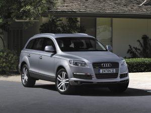 Audi Q7  3.0d AT (249 HP) 4WD SUV