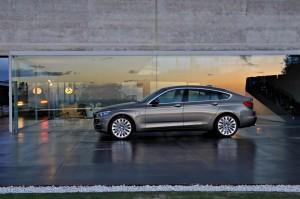 BMW 5er  550i 4.4 AT (450 KM) Hatchback