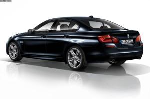 BMW 5er  550i 4.4 AT (407 KM) Sedan