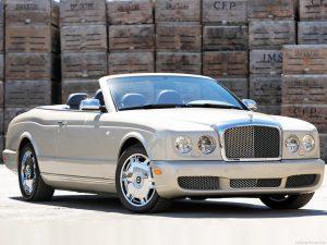 Bentley Azure  6.7 i V8 389 KM Cabrio