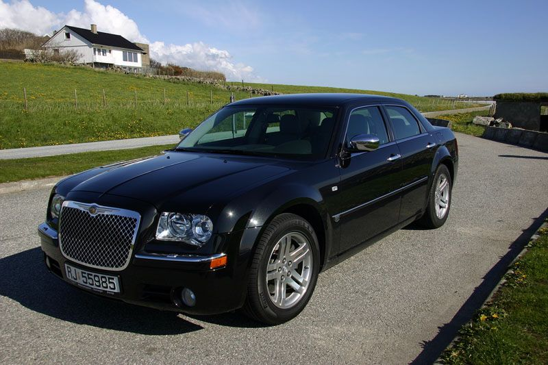 Chrysler 300C  3.6 AT (296 HP) 4WD Sedan