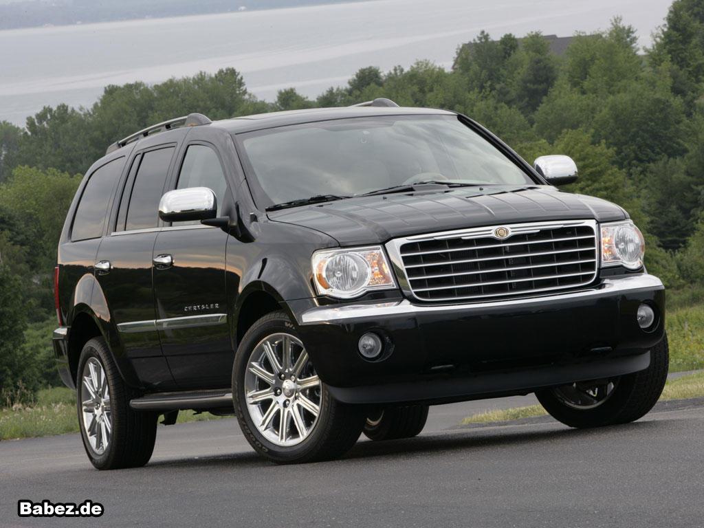 Chrysler Aspen  4.7 i V8 16V 234 KM Minivan