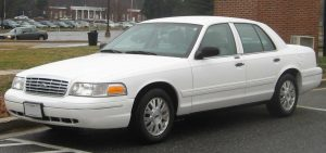 Ford Crown-Victoria  4.6 i V8 223 KM Coupe