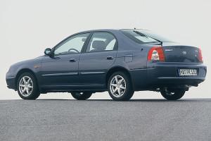 Kia Shuma  1.6 i 16V 101 KM Hatchback