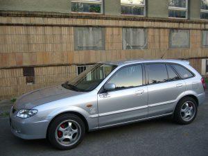 Mazda 323  1.3 i 16V 73 KM Sedan