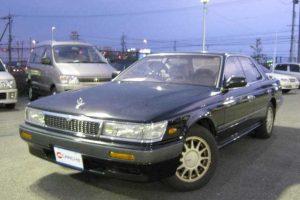 Nissan Laurel  2.0 i 125 KM Sedan