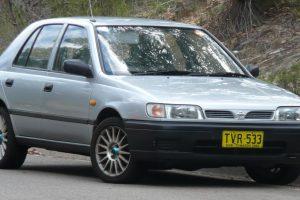 Nissan Pulsar  1.6 i 16V X1 R 5 dr 110 KM Hatchback