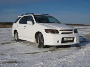 Nissan R-Nessa  2.0 i 16V 140 KM SUV