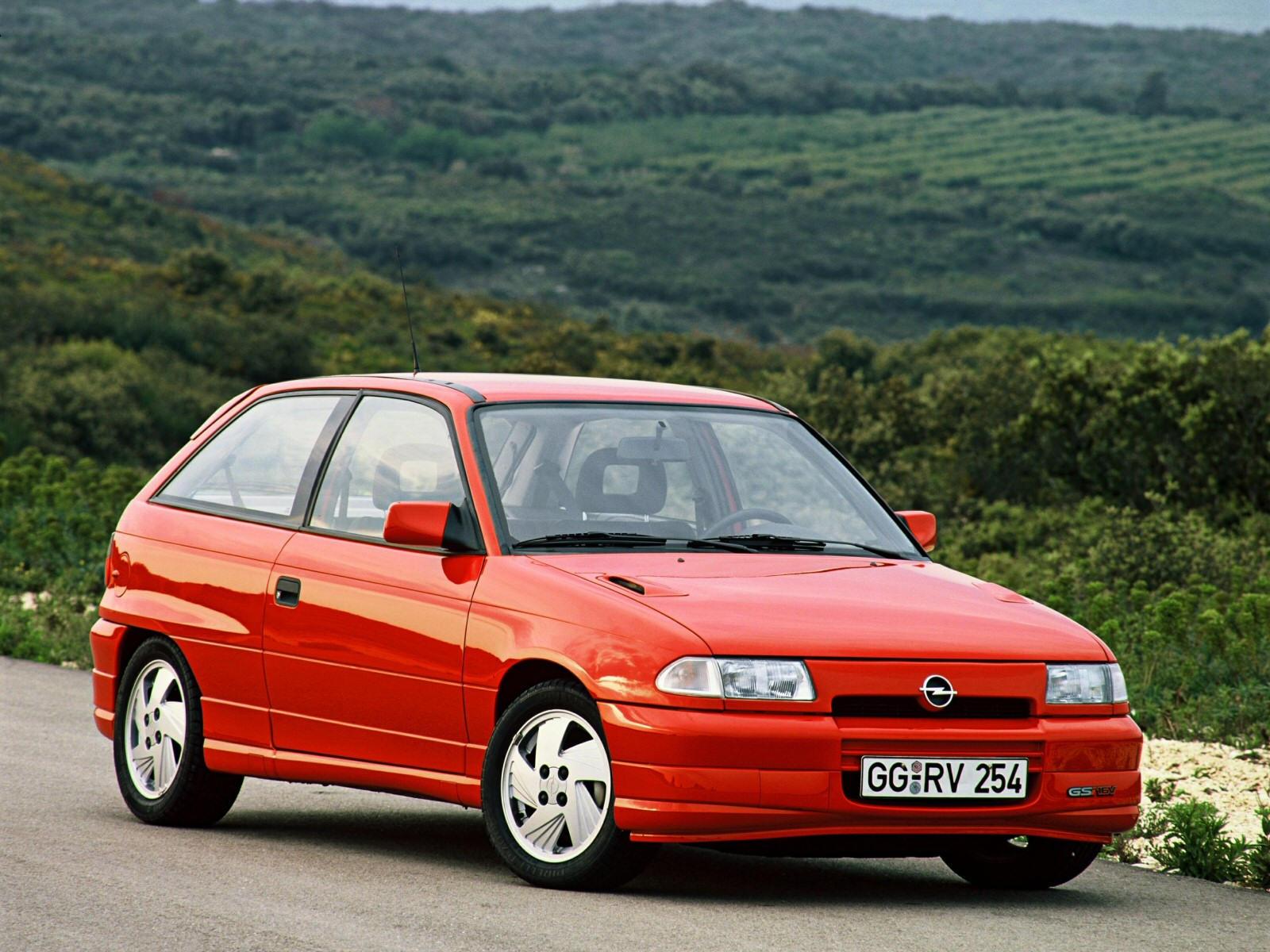 Opel Astra  1.6 i Eco 71 KM Sedan