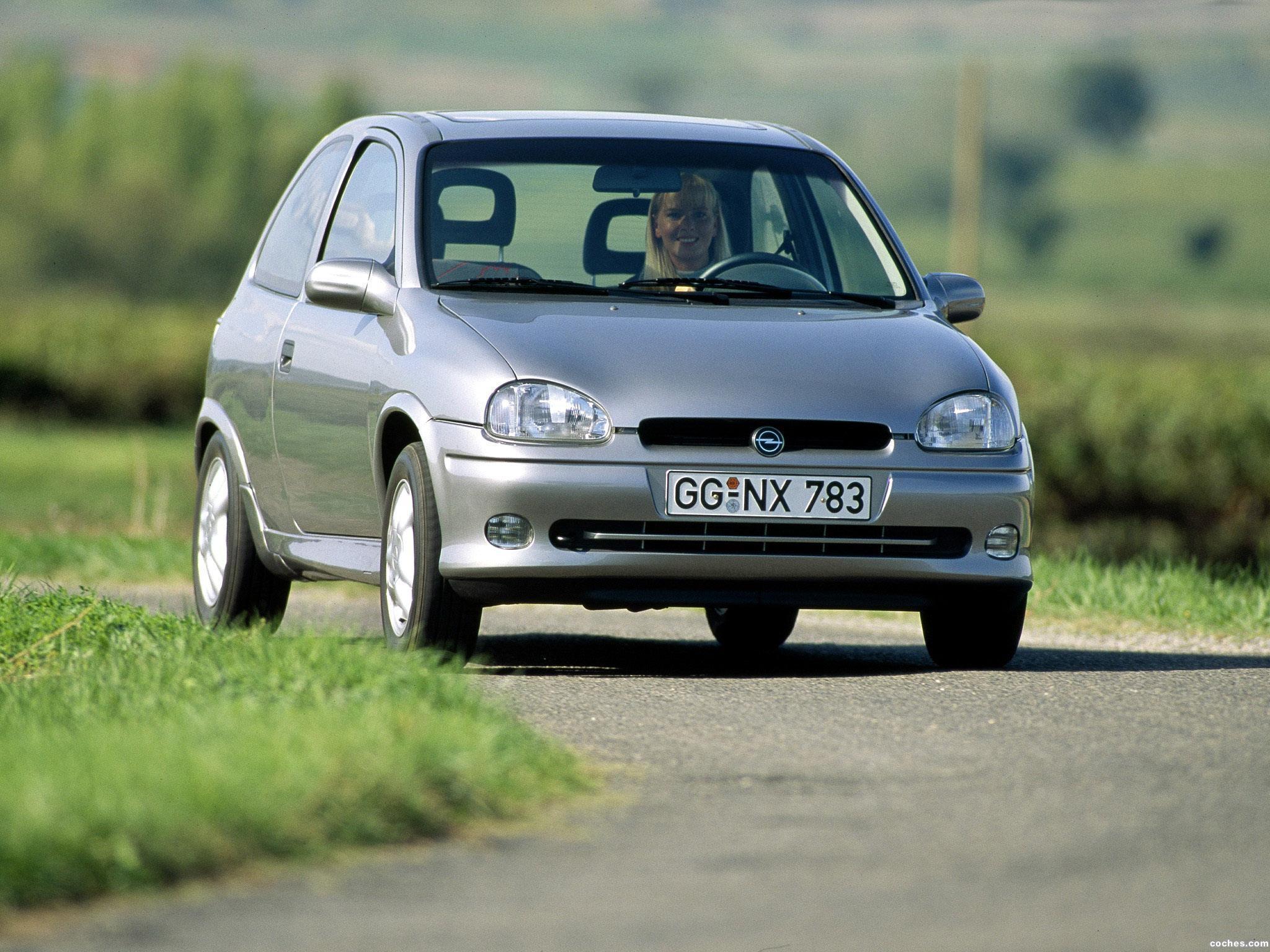Opel Corsa  1.2 i 45 KM Hatchback
