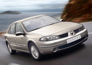 Renault Laguna  1.6 i 16V 112 KM Hatchback