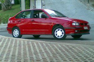 SEAT Cordoba  1.8 i 16V 129 KM Sedan