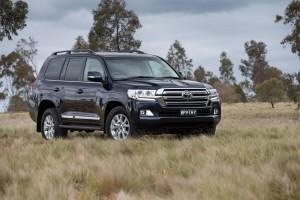Toyota Land-Cruiser  5.7 AT (381 HP) 4WD SUV