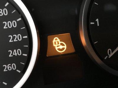 kontrolka układu kierowniczego