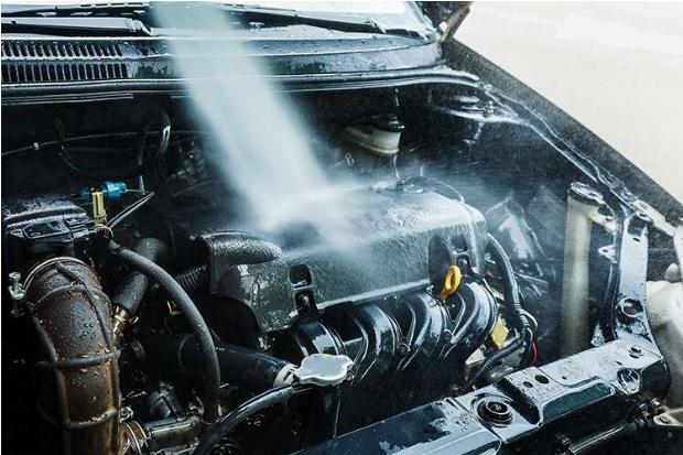 Dlaczego należy robić płukankę silnika?