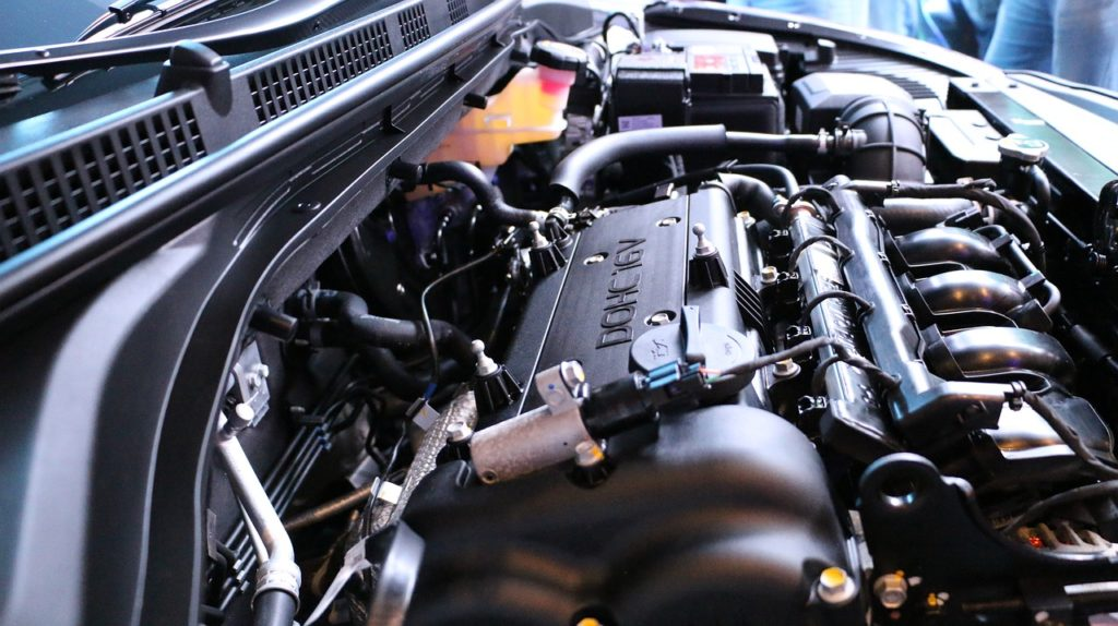 Objawy uszkodzonej uszczelki pod głowicą w samochodzie