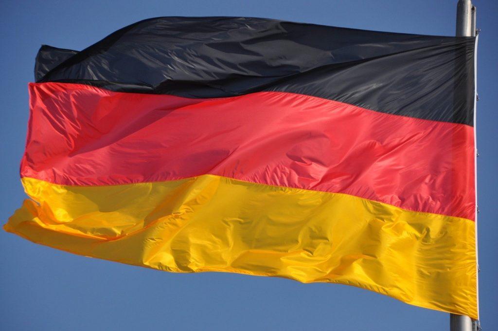 niemieckie strony z samochodami