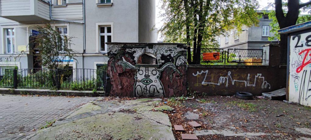 Mural w Katowicach przy wejściu na ulice Mariacką od strony kościoła