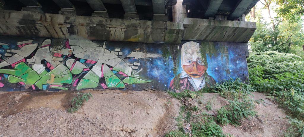 Mural pod Wiaduktem w kierunku Dąbrówka Mała